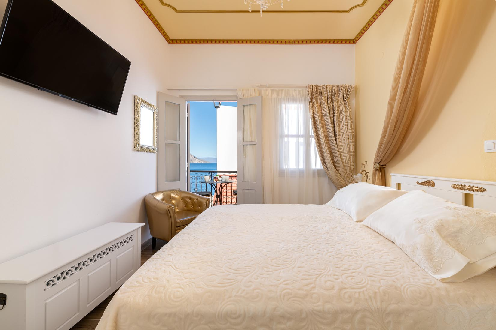 Symi Holidays Marikas Deluxe Rooms